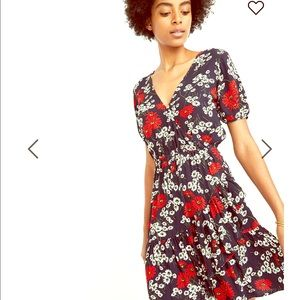 NWT Ruffle-Wrap Dress in Hillside Daisies
